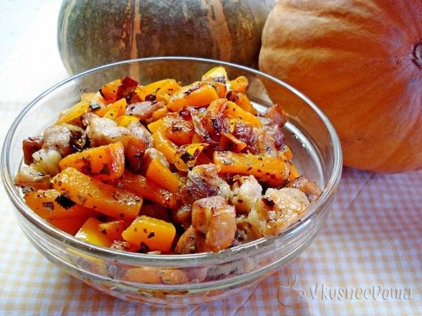 Салат из свежей тыквы с беконом