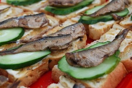 как-приготовить-бутерброды-со-шпротами
