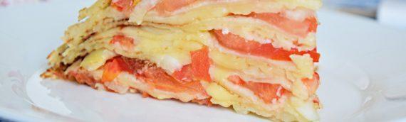 Закусочный блинный торт с сыром и помидорами