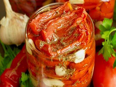 Вяленые помидоры с сыром