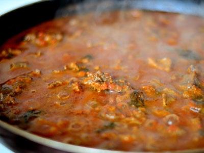 Приготовление мяса для галушек