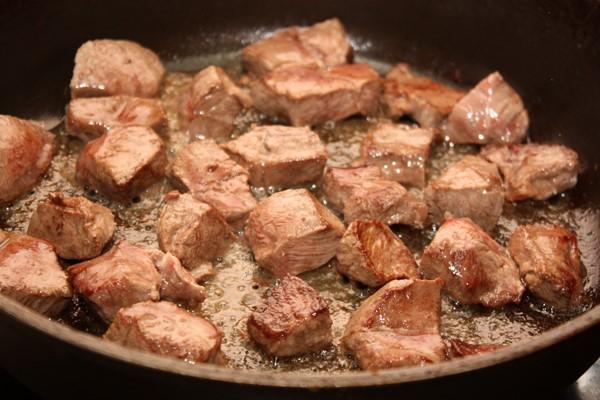 Гуляш по-венгерски из говядины