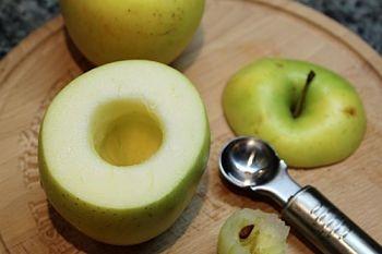 в яблоках вырезать серцевину