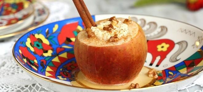 запечённые яблоки с творогом и изуюмом