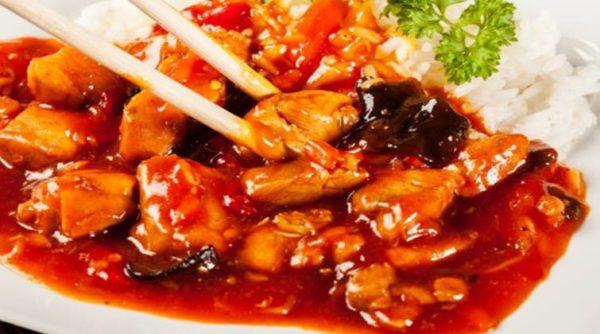 Курица в соусе из смородины