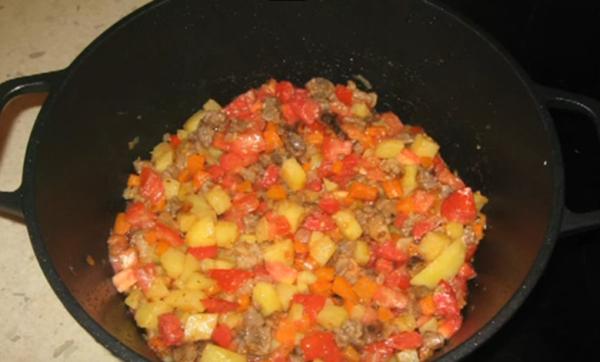 Тушение овощей с мясом