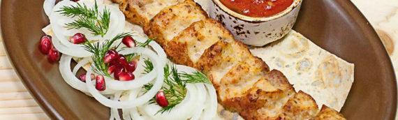 Люля-кебаб из курицы – диетический вариант восточного блюда