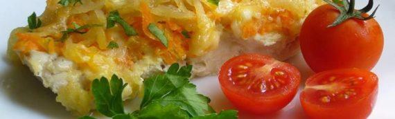 Минтай, запеченный в духовке с морковью и луком – подборка рецептов