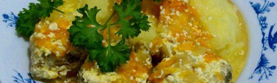 Минтай, тушеный со сметаной – вкусно и полезно