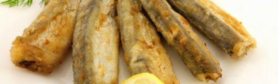 Мойва, жаренная на сковороде – маленькая рыбка с нежным вкусом